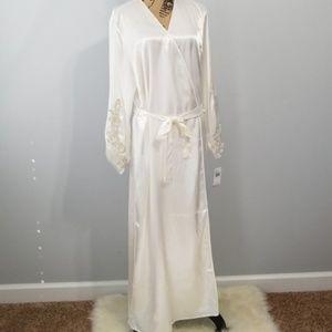 Robe 1X Ivory Satin Charmeuse Flora NikroozPlus